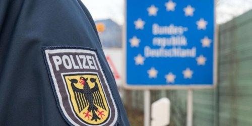 Bundespolizeidirektion München: Bundespolizeidirektion München: Neun Personen im Fünfsitzer - Migranten befördert und abkassiert