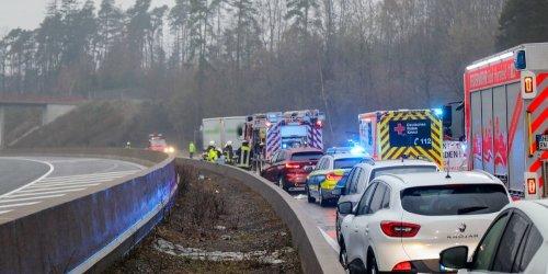 Zwei Insassen tödlich verletzt: Tragischer Unfall auf der A4