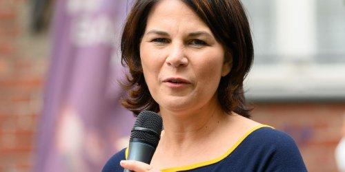 Kanzlerkandidatin spricht: Grüne fordern Verfassungsänderung nach Flutkatastrophe - Baerbock gibt Pressekonferenz
