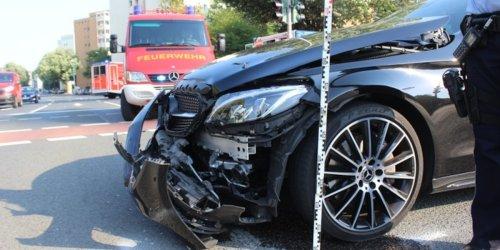 Polizei Mettmann: POL-ME: Verkehrsunfallfluchten aus dem Kreisgebiet - Kreis Mettmann - 2109087