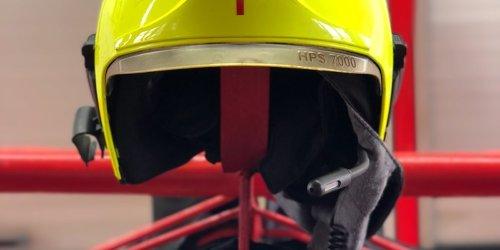 Feuerwehr Neuss: FW-NE: Kleinbrand in einer Lagerhalle führte zu einem Großaufgebot an Feuerwehrkräften | Zündelnde Jugendliche verursachen Feuerwehreinsatz