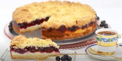 Beeren-Streuselkuchen mit Pudding und Amaretto – saftig, vielfältig und lecker