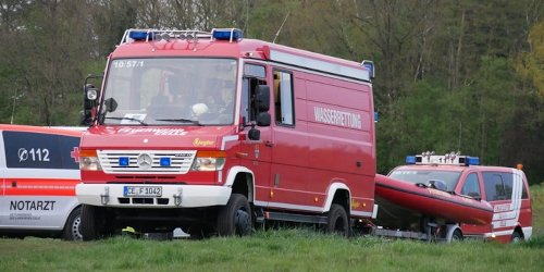 Freiwillige Feuerwehr Celle: FW Celle: Personensuche an der Aller