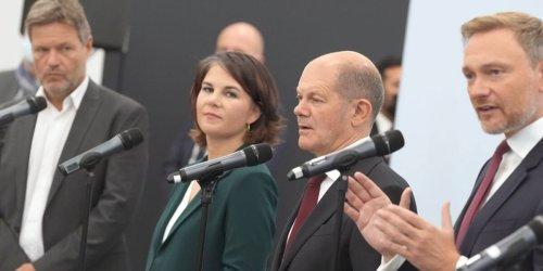 """Deutliche Kritik an Finanzpolitik: Top-Ökonomen zerlegen """"unbefriedigenden und widersprüchlichen"""" Renten-Plan der Ampel"""