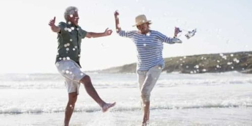 Börse: Über 60 Jahre alt? 2 Top-Aktien, in die ich investieren würde!