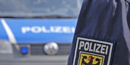 Bundespolizeiinspektion Kassel: BPOL-KS: Mann mit Haschisch und Schlagstock im Hauptbahnhof unterwegs