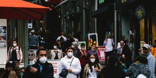 """""""Stärker.Zusammen""""-Ticker: Viele Infektionen verhindern: Virologin erklärt, wie uns Masken gegen Corona helfen"""