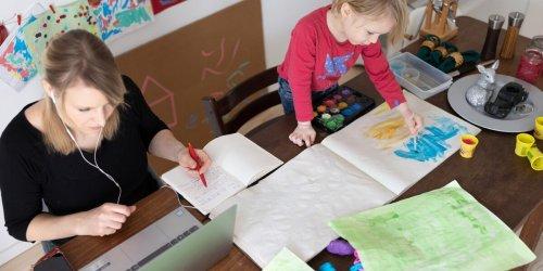 Familienberaterin nennt 4 Strategien: Unsichtbare Aufgaben können Eltern belasten: Was beim Familien-Management hilft