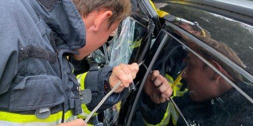 Feuerwehr Iserlohn: FW-MK: Kleinkind in PKW eingeschlossen