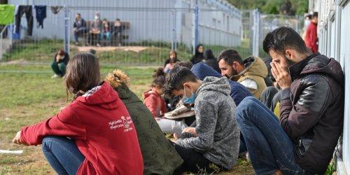 Migranten auf Weg nach Deutschland: Massiver Asylbewerber-Zustrom über Polen: Bundesländer mieten schon Not-Quartiere!