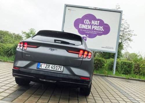 30.000 Euro geschenkt für einen Tesla: Elektroauto-Subventionen laufen aus dem Ruder