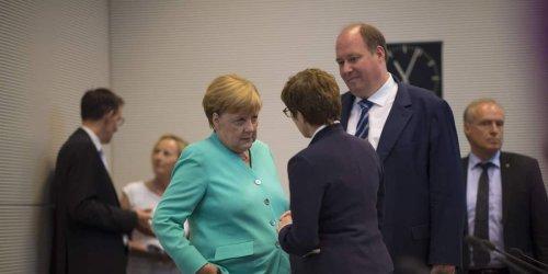 Mindestens 7123 Euro Grundgehalt: Last-Minute-Beförderungen für Regierungsbeamte - Braun schiebt Riegel vor