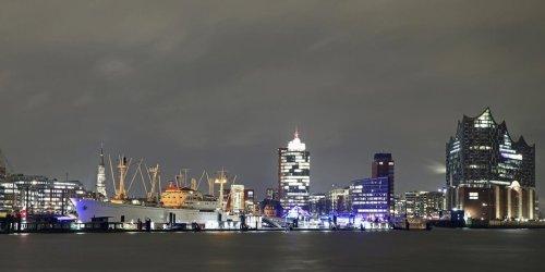 Tui Cruises verlegt Schiff nach Kiel: Hamburger Kreuzfahrt-Fans müssen weiter warten