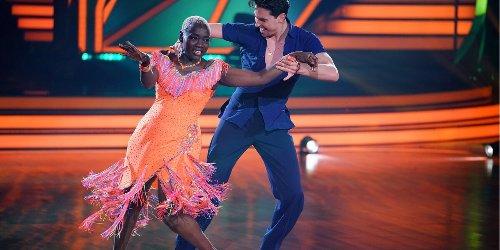 """All ihre Tänze gesehen: """"Er fiebert immer mit"""": Barack Obama feuert Schwester Auma bei """"Let's Dance"""" an"""