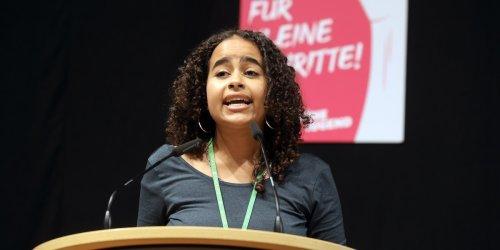 Sarah-Lee Heinrich im Porträt: Aus Hartz IV an die Spitze: Das ist junge Grünen-Chefin, die nun Morddrohungen erhält