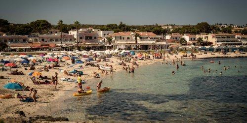 Neuer RKI-Bericht: Spanien besonders betroffen: Immer mehr Deutsche stecken sich im Urlaub mit Corona an