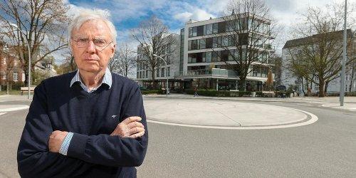 Pflanzen verboten!: Anwohner verärgert über trostlosen Betonkreisel