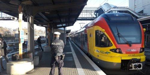 Bundespolizeidirektion Sankt Augustin: BPOL NRW: Schussabgabe auf Führerhaus der Siegener Regionalbahn