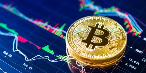 Kryptowährung im Höhenflug: ETF-Debüt lässt Bitcoin sein Allzeithoch jagen - doch Experten warnen vor Gewinnmitnahmen