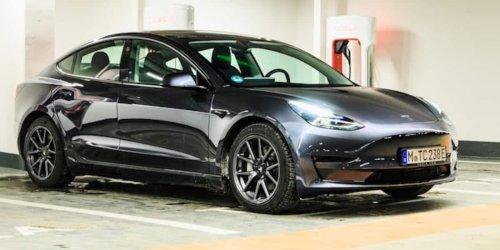 Tesla Model 3 meistverkauftes Auto Europas: VW ist raus: Die Golf-Klasse ist jetzt die Tesla-Klasse