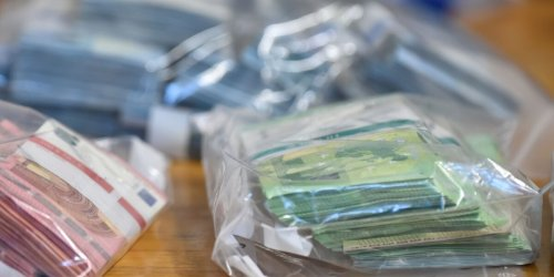 Hamburger Polizei verhaftet zwei mutmaßliche Drogenhändler