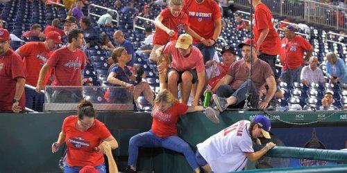 Major League Baseball: Schüssen vor Stadion: Fans fliehen bei MLB-Partie der Washington Nationals