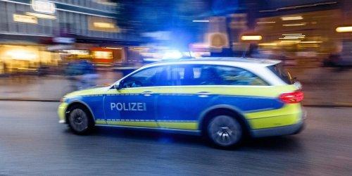 Hamburg: Fußgänger von Taxi erfasst und schwer verletzt