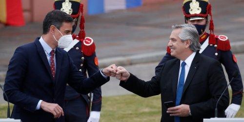 """Nach massivem Shitstorm: """"Brasilianer kamen aus dem Dschungel"""": Argentiniens Präsident rudert nach Shitstorm zurück"""