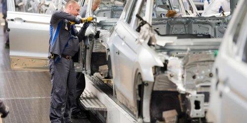 Neue Studie: Wegen Chipmangel: Autoindustrie droht Produktionsausfall von 5 Millionen Fahrzeugen
