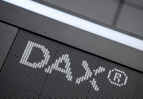 Fed-Beschlüsse werden mit Spannung erwartet - Dax kann sich knapp über Wasser halten