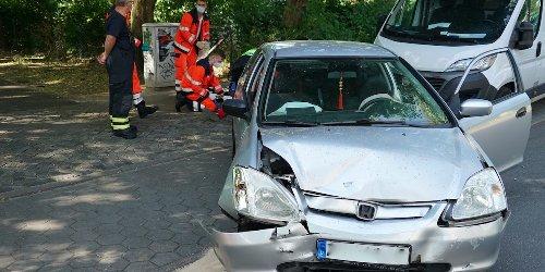 Er übersah ein anderes Auto: Unfall – Familienvater verletzt