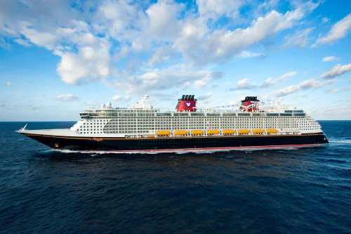 Are Disney's Cruise Lines Actually Safer Than Their Theme Parks? We Asked an Expert