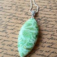 Green crackle effect pendant