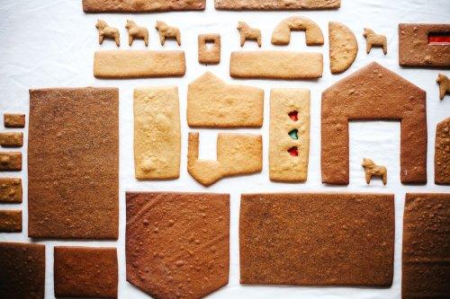 Basic Gingerbread House Walls