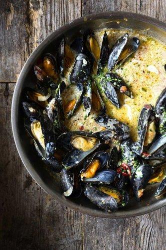 Mussels in Garlic Miso Broth