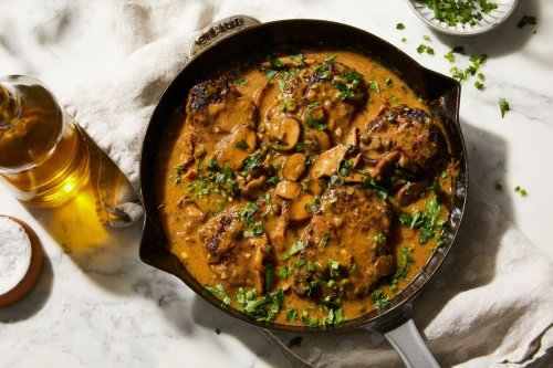 Salisbury Steak With Herby Mushroom Sauce