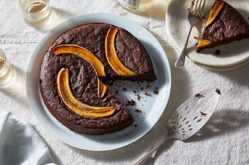 Fudgy Vegan Banana-Brownie Cake You Can Eat for Breakfast