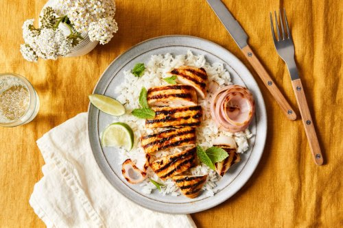 Spicy Mango Chicken With Grilled Onions & Rice
