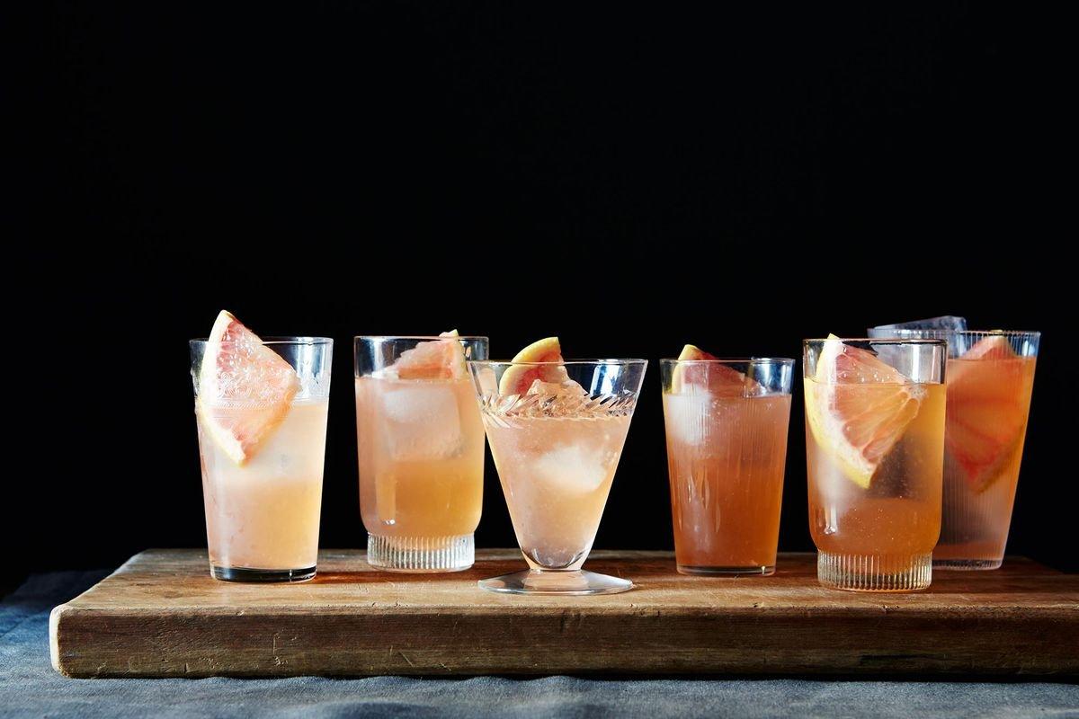 22 Ultra-Refreshing Summer Cocktails (Shaken, Stirred, Frozen) - cover