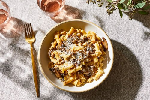 Mushroom Pasta With Pepper & Pecorino