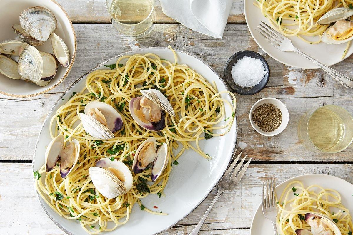 Spaghetti with Clams, Parsley, Garlic, and Lemon (x2)
