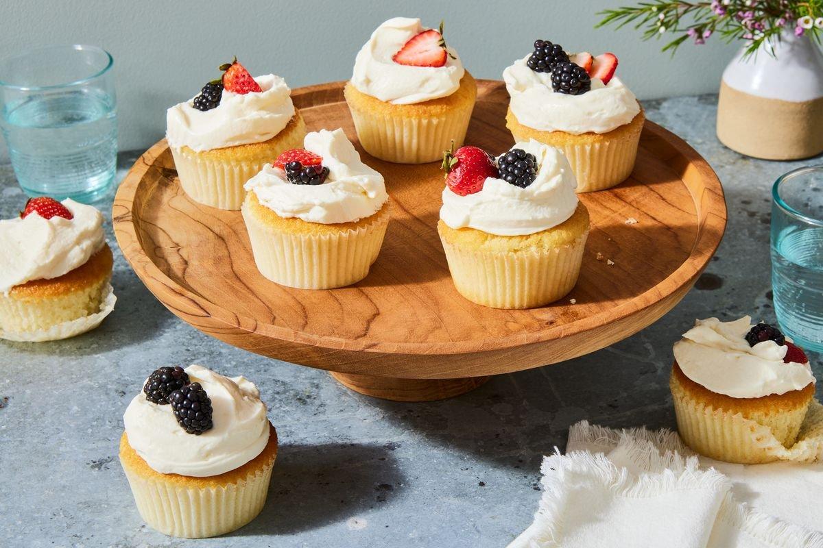 White Cake Cupcakes With Mascarpone Whipped Cream & Berries