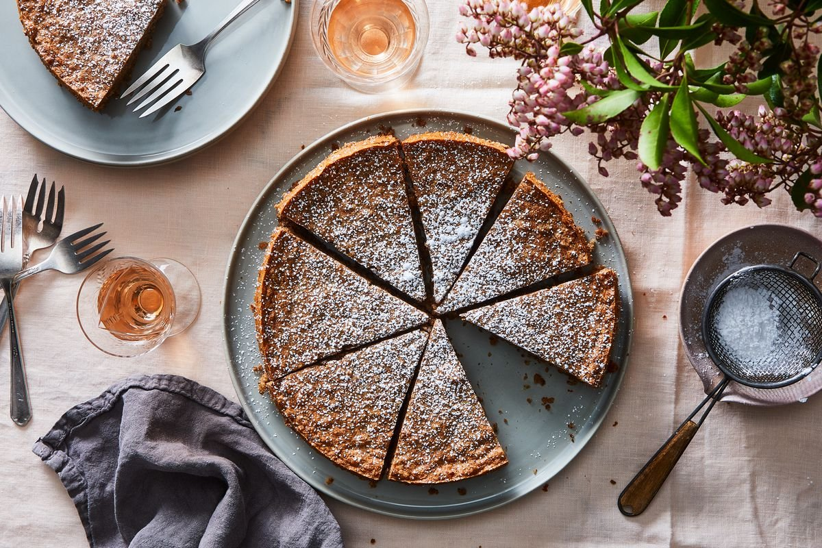 Flourless Pecan Cake