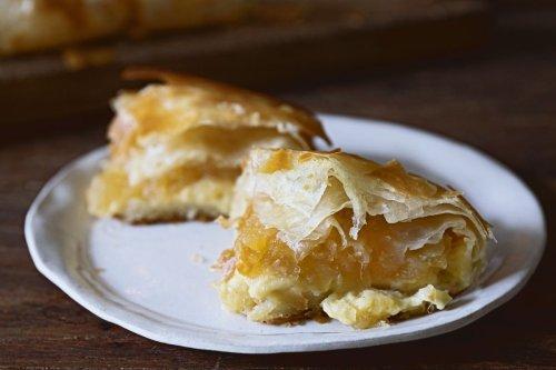 Flakiest Pastry With Apple Purée & Vanilla Custard