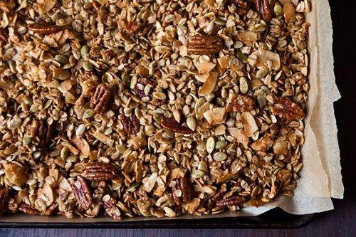 Nekisia Davis' Olive Oil & Maple Granola