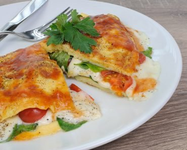 Spinach and Mozzarella Omelette