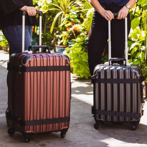 Best Wine Travel Bags – Wine Suitcases, Luggage, & How To Pack Wine
