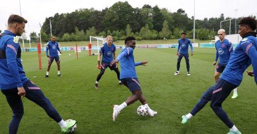 White heaps praise on Bukayo Saka after completing Arsenal transfer