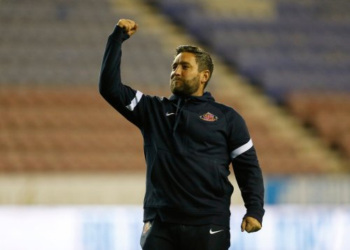 2 big dilemmas facing Lee Johnson ahead of Sunderland's clash v Charlton