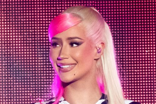 Iggy Azalea Takes the Stage in a Daring Hot Pink Corset Belt and Checkered Boots With a Matching Jumpsuit